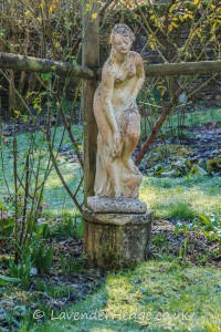 naked lady stone statue
